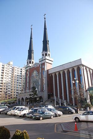 English: Myungsung church in Seoul 한국어: 명성교회