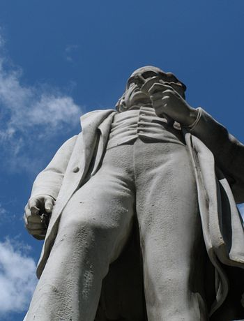 English: John Bright statue - vertical upwards...