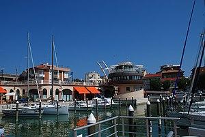 Italiano: Il porto di Gabbice Mare, provincia ...