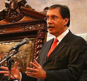 Português: Jornalista Merval Pereira na ALERJ ...