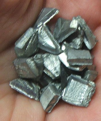 English: Chunks of pewter from a pewter spoon
