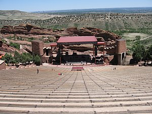 English: Shoot of the amphitheater at Red Rock...