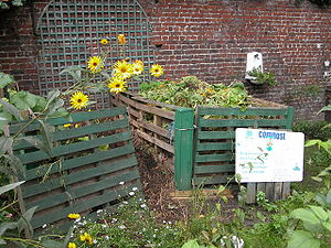 English: Home Composting, Roubaix, France Fran...