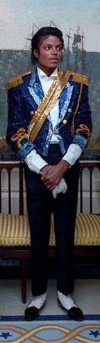 https://i2.wp.com/upload.wikimedia.org/wikipedia/commons/thumb/b/b3/Michael_Jackson_Reagan_Pete_Souza_1984_cropped.jpg/144px-Michael_Jackson_Reagan_Pete_Souza_1984_cropped.jpg
