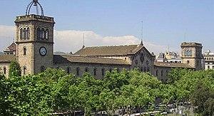 Català: L'edifici històric de la Universitat d...