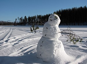 English: Snowman on frozen Lake Saimaa, Puumal...