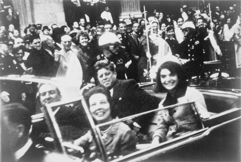 File:John F. Kennedy motorcade, Dallas crop.png