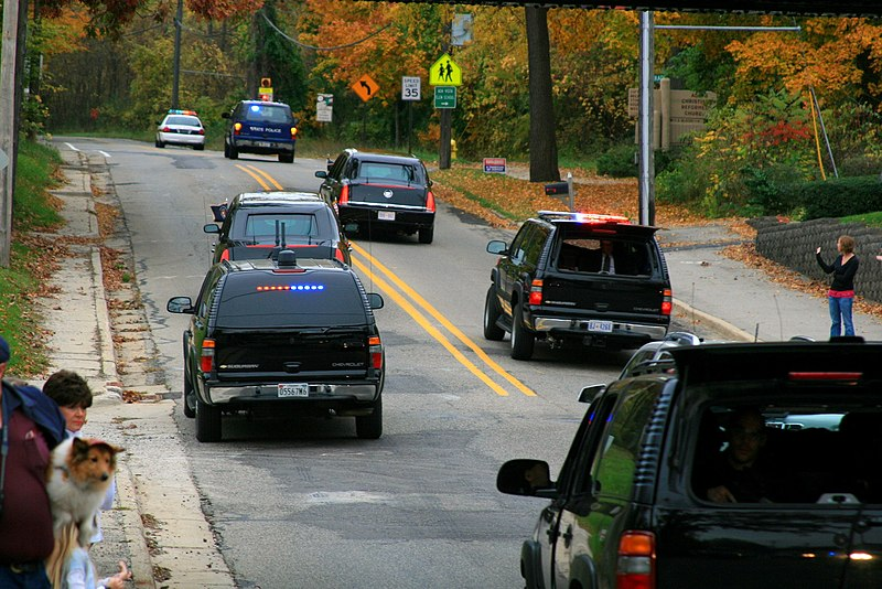 File:President's motorcade rear view.jpg