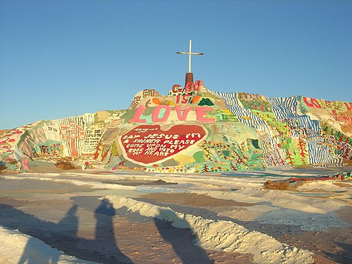 Salvation Mountain 001