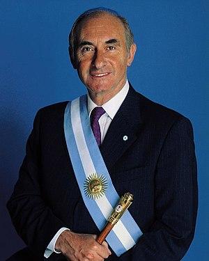 presidente Fernando de la Rúa. Con banda y bas...