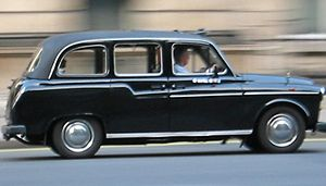 English: London black cab (Hackney carriage) C...