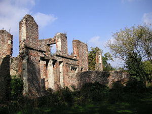 Photograph of the ruins at Sopwell House (2006).