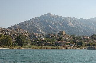 Der Bafa-See mit Herakleia am Latmos - Latmos-Gebirge (1332 mt)