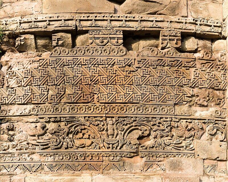 File:Dhamekh Stupa close-up, Sarnath.jpg