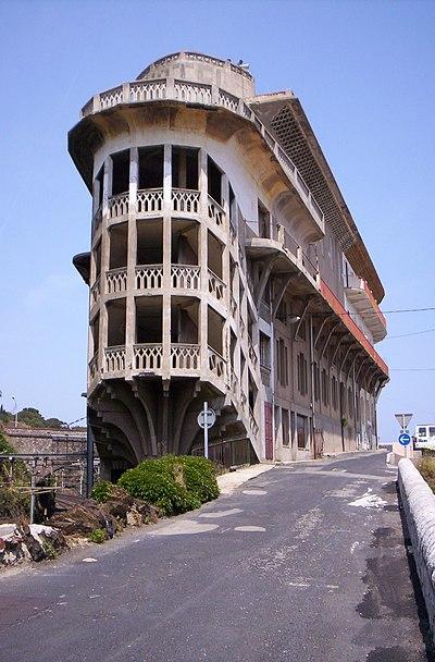 400px-Hotel_du_Rayon_Vert.jpg