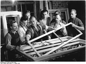 Bundesarchiv Bild 183-28307-0002, Berlin, Holz...
