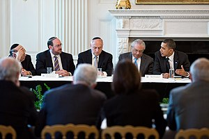 President Barack Obama meets with the Conferen...