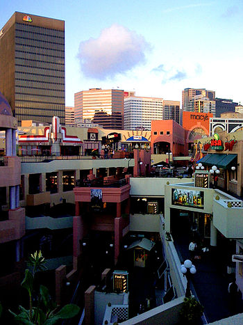 English: Westfield Horton Plaza, in San Diego ...