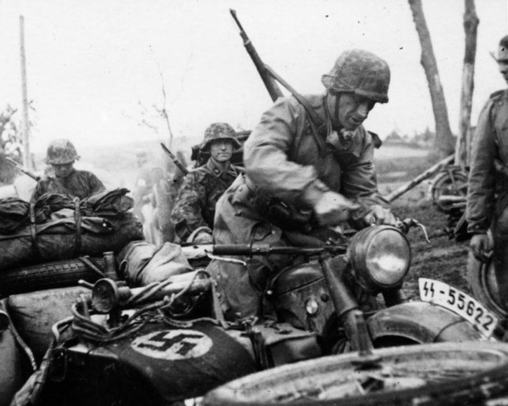 File:Bundesarchiv Bild 101III-Wiegand-117-02, Russland, Kradschütze, Beiwagenkrad.jpg