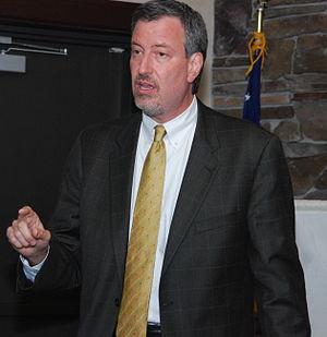 English: City council member Bill De Blasio sp...