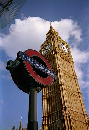 English: The London Underground sign for Westm...