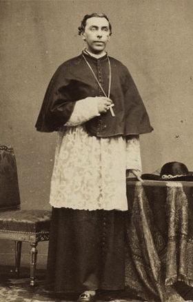 http://upload.wikimedia.org/wikipedia/commons/thumb/b/bb/Gaston_de_S%C3%A9gur_(1820-1881).jpg/280px-Gaston_de_S%C3%A9gur_(1820-1881).jpg