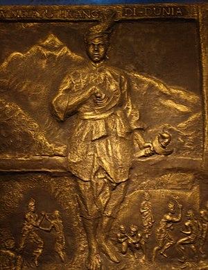The bronze sculpture of Hang Tuah in Muzium Ne...