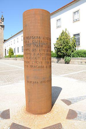 English: Monument to the Roman ways in Bracara...