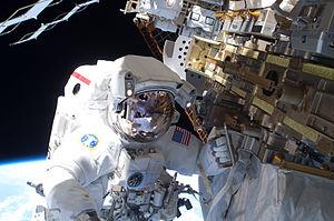 STS-131 EVA1 Rick Mastracchio 2