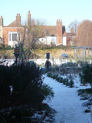 English: The Abbey Physic Community Garden, Fa...