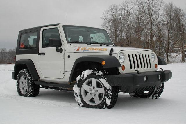 File:2010 Jeep Wrangler Islander.jpeg