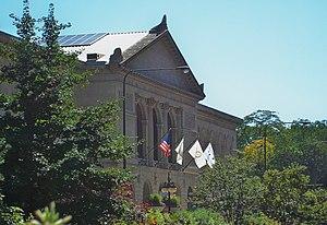 Art Institute of Chicago Maim Building from ac...