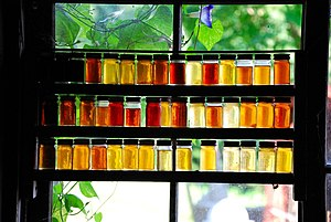 English: different grades of maple syrup; @ Mo...