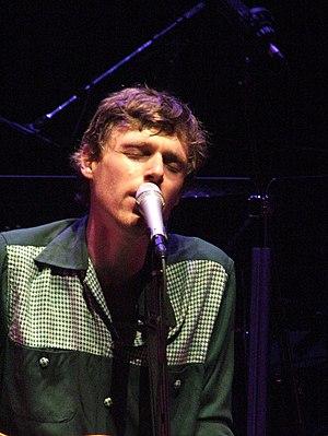 English: Joel Plaskett performing at the 2007 ...