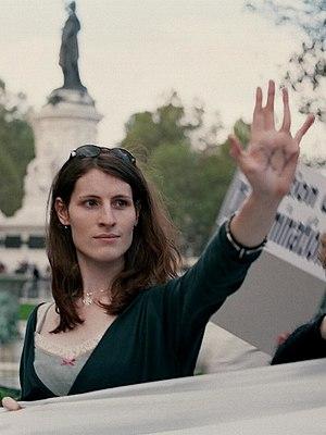 Français : Activiste des transgenres à une man...