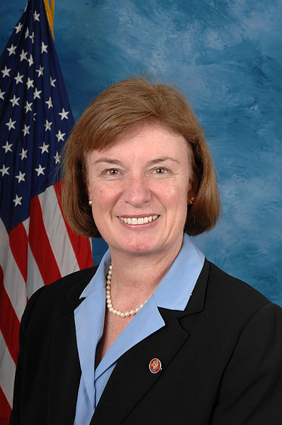 https://i2.wp.com/upload.wikimedia.org/wikipedia/commons/thumb/b/bd/Carol_Shea-Porter,_official_110th_Congress_photo_portrait.jpg/398px-Carol_Shea-Porter,_official_110th_Congress_photo_portrait.jpg