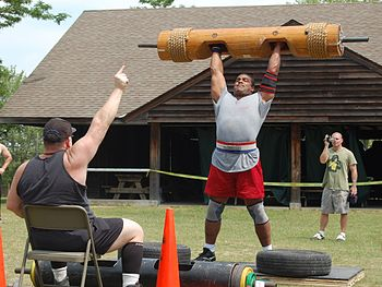 Strongmen event: the Log Lift & a referee (bac...