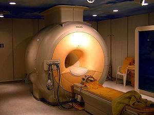 English: Modern high field clinical MRI scanne...