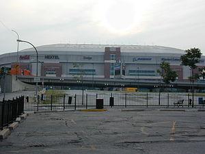 English: Edward Jones Dome - Home of St. Louis...