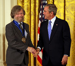 Composer Morten Lauridsen receiving the Nation...
