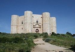 Castel del Monte Mai08.jpg