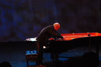 "Christian Wolff ""un-prepares"" his piano."