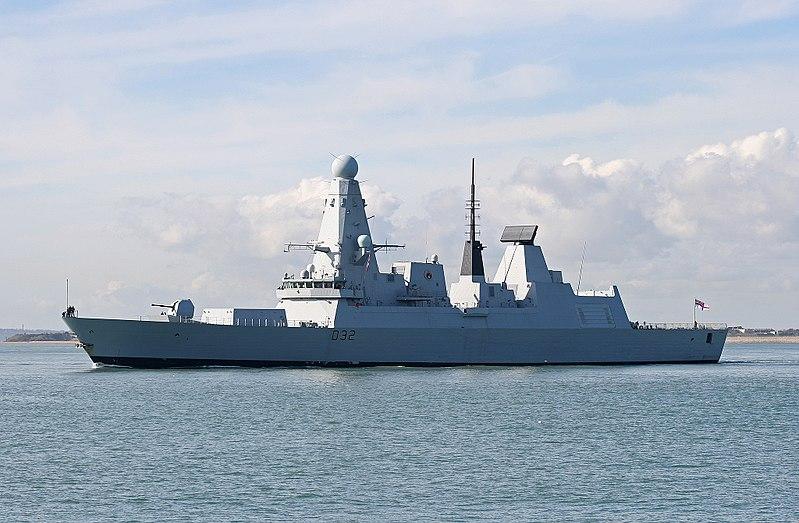 Archivo: HMS Daring-1.jpg