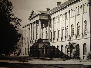 Kazimierzowski Palace, seat of the rector and ...