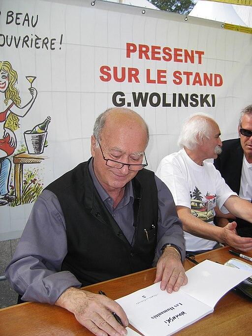 G. Wolinski dédicaçant à la fête de l'Huma 2007-04