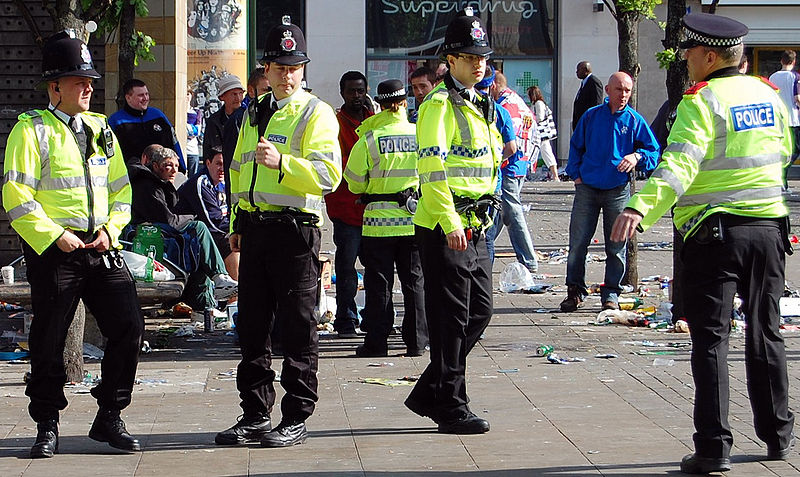 Greater Manchester Police officers in Piccadilly Gardens (Manchester, England) 2