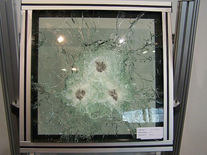 Archivo: IDET2007 glass.jpg prueba de balas