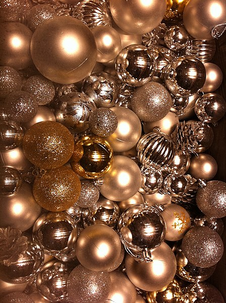 FileHK Central IFC Mall Christmas Ornaments Decor Balls