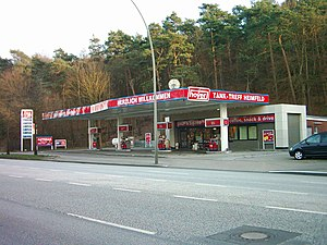 Deutsch: Hoyer-Tankstelle in Hamburg-Hausbruch.