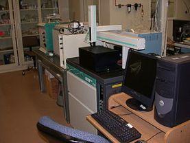 Mass spectrometry radioactive dating